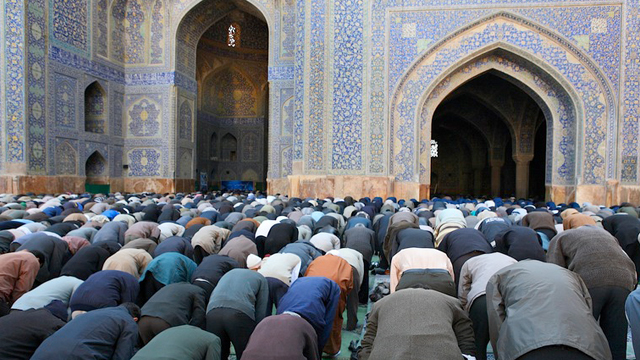 addressing-the-imaam-whilst-in-prayer