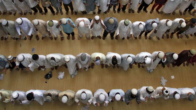 disconnected-rows-in-the-congregational-prayer