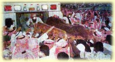 ibn-uthaymeen-uthaymeenfuneral12012001_5