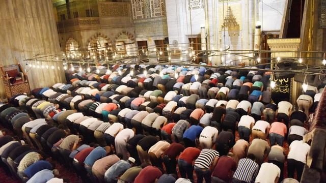 the-imaam-waiting-in-rukoo