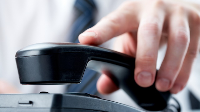 using-the-telephone-at-work-for-personal-calls