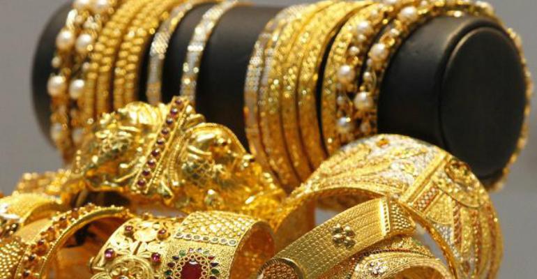 wearing-gold-jewellery