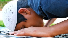 where to place the quraan during prostration-of-forgetfulness